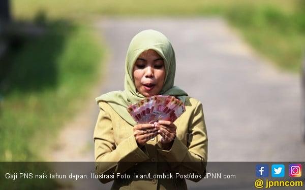 Gaji PNS Naik Bukti Ada Uang untuk Angkat Honorer K2 - JPNN.COM