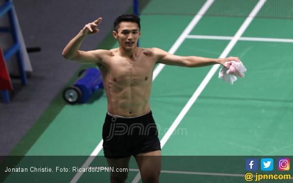 Jojo Singkirkan Ginting dari Hong Kong Open 2018 - JPNN.COM