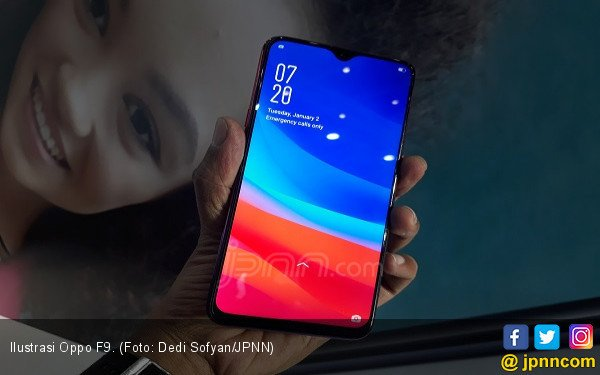 Membanding Xiaomi Pocophone F1 vs Oppo F9 - JPNN.COM
