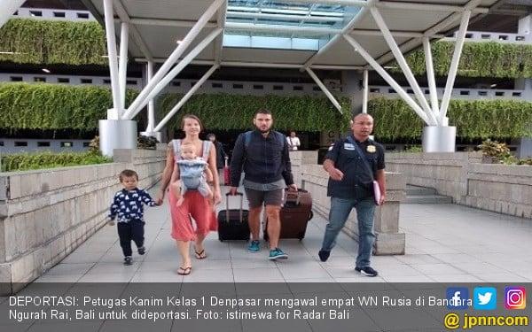 Sekeluarga Bule Rusia Dideportasi dari Bali - JPNN.com