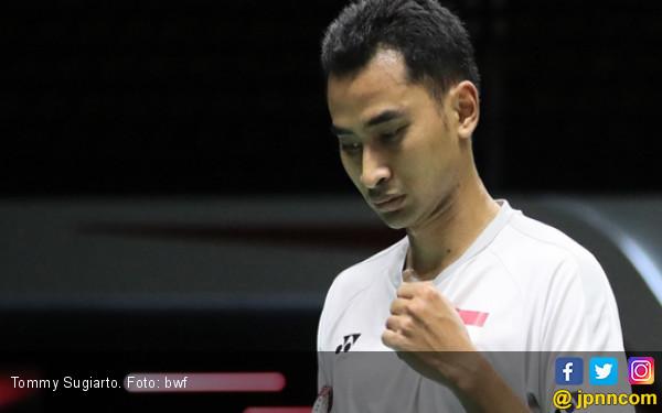 BWF World Tour Finals: Icuk Poles Daya Tahan Tommy Sugiarto - JPNN.COM