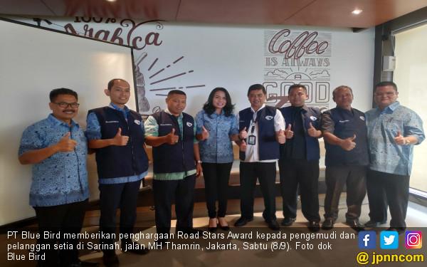 Blue Bird Beri Penghargaan Road Stars Award - JPNN.com