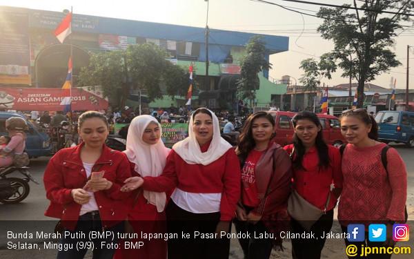 Bantah Klaim Sandiaga, Bunda Merah Putih Blusukan ke Pasar - JPNN.COM