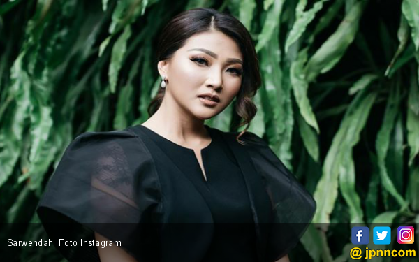 Nyanyi Karena Su Sayang Versi Mandarin, Sarwendah Dipuji - JPNN.COM