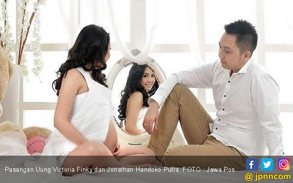 Perayaan Kecil dengan Foto Maternity - JPNN.COM