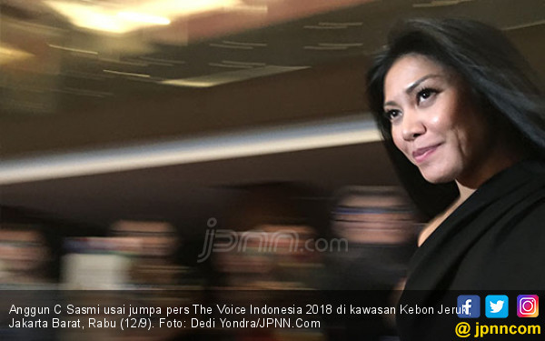 Anggun C Sasmi Gandeng Dua Desainer Kondang - JPNN.com