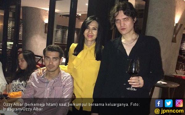 Bawa Ganja, Anak Ahmad Albar Ditangkap Polisi - JPNN.COM