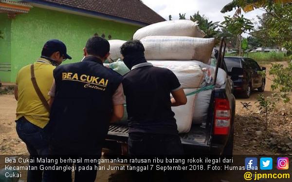 Bea Cukai Malang Tangkap Pengedar Rokok Ilegal - JPNN.COM