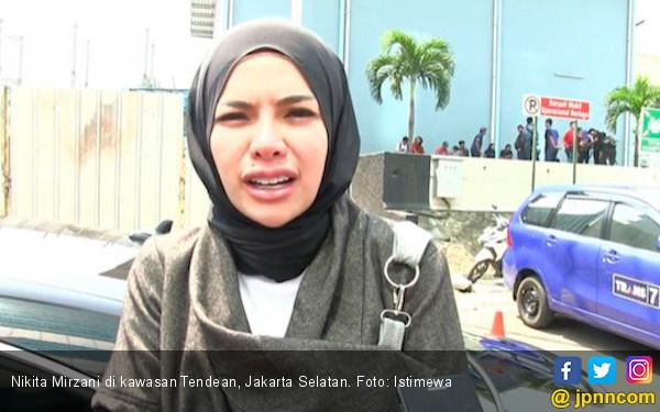 Shinta Bachir: Jangan Kesombongan, Dulu tuh Loe Pernah Susah - JPNN.COM