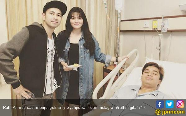 Doa Sahabat untuk Kesembuhan Billy Syahputra - JPNN.COM