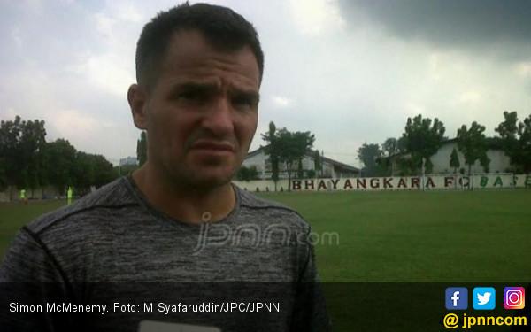 Bhayangkara FC Rela Simon McMenemy Jadi Pelatih Indonesia - JPNN.COM