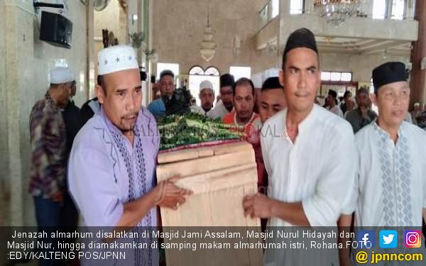 Detik-Detik Imam Salat Jumat Meninggal dengan Posisi Sujud - JPNN.COM