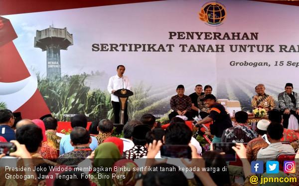 Jokowi Bagikan 8 Ribu Sertifikat Tanah di Grobogan - JPNN.COM
