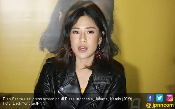 Resolusi 2019, Dian Sastrowardoyo Ingin Fokus Bikin Film - JPNN.com