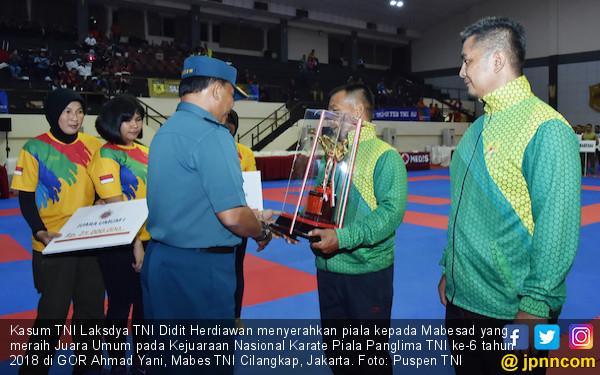 Mabesad Juara Umum Kejurnas Karate Piala Panglima TNI 2018 - JPNN.COM