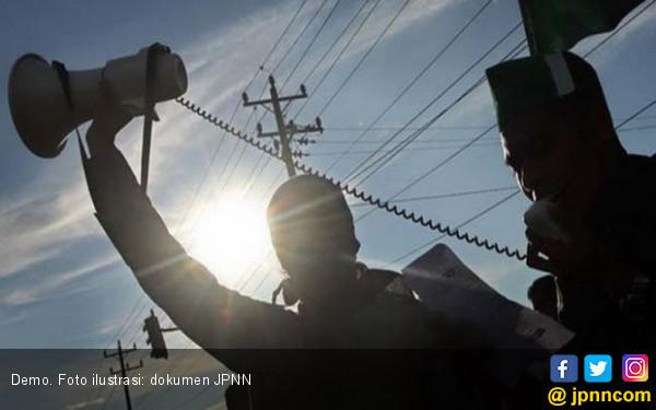 Demo Mahasiswa di Aceh Utara Bentrok dengan Aparat - JPNN.com