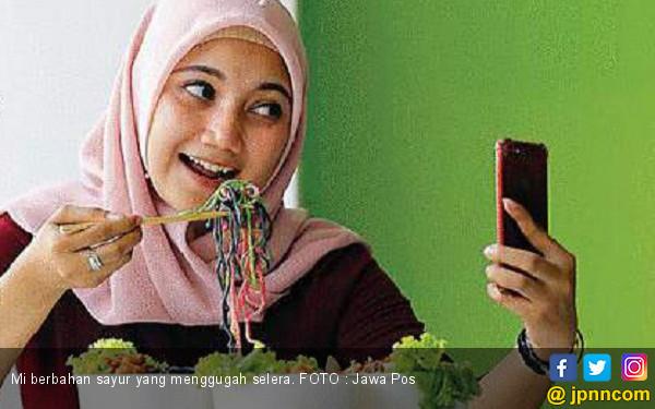Enak dan Sehat dengan Mi Sayur - JPNN.COM