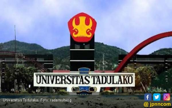 Kampus Untad Rusak Parah, Mahasiswa Belajar di Tenda - JPNN.COM