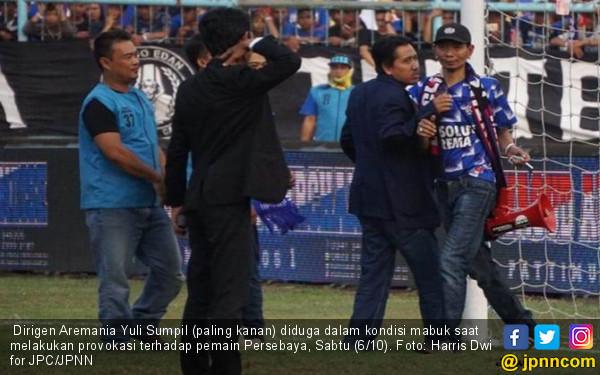 Dirigen Aremania Dilarang Masuk Stadion Seumur Hidup - JPNN.COM