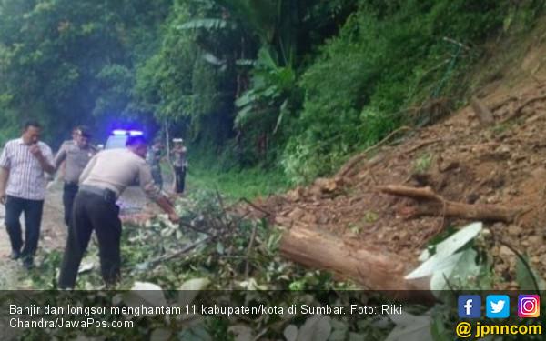 Banjir dan Longsor Terjang 11 Daerah di Sumbar, 6 Meninggal - JPNN.COM