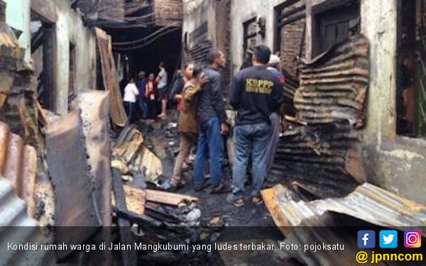 Si Jago Merah Hanguskan 22 Rumah di Jalan Mangkubumi - JPNN.COM