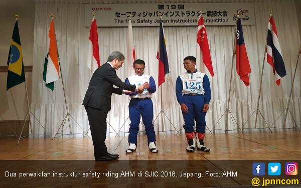 Instruktur Safety Riding AHM Sapu Bersih Juara SJIC 2018 - JPNN.COM