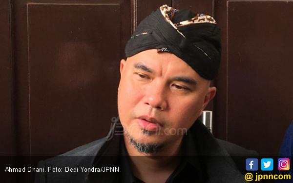 Ahmad Dhani Menangis - JPNN.COM