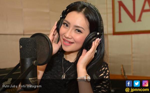Putri Juby Ngaku Dihempaskan Delon - JPNN.com