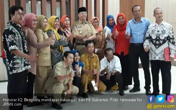 Honorer K2 Senang Dapat Dukungan Gubernur - JPNN.COM