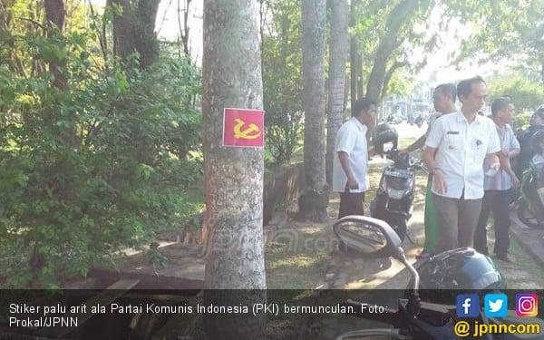 Waduh, Stiker PKI Bermunculan di Balikpapan - JPNN.COM