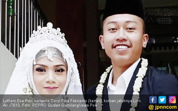 Deryl Mengirim Foto Pesawat, Titip Istri ke Ortu - JPNN.COM