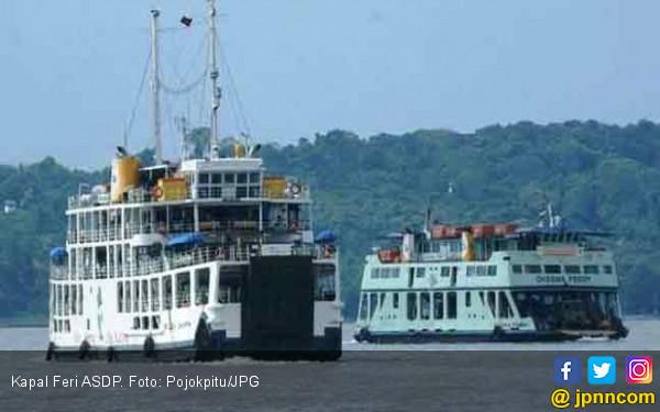 Penyeberangan Puncak Arus Tahun Baru Lombok-Bali Lancar - JPNN.COM