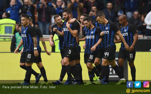 Siap Depak Miranda, Inter Milan Bidik Bek Denmark - JPNN.COM