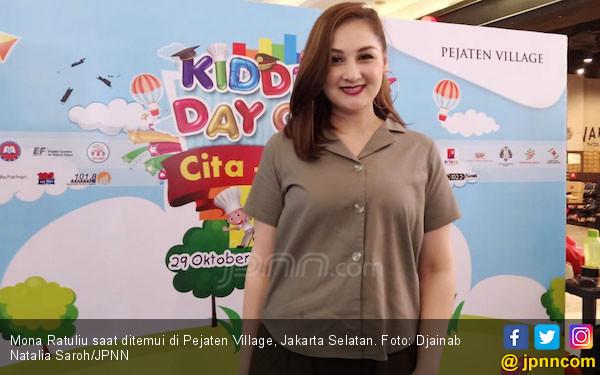Kiat Mona Ratuliu Melepaskan Kecanduan Anak pada Gadget - JPNN.COM