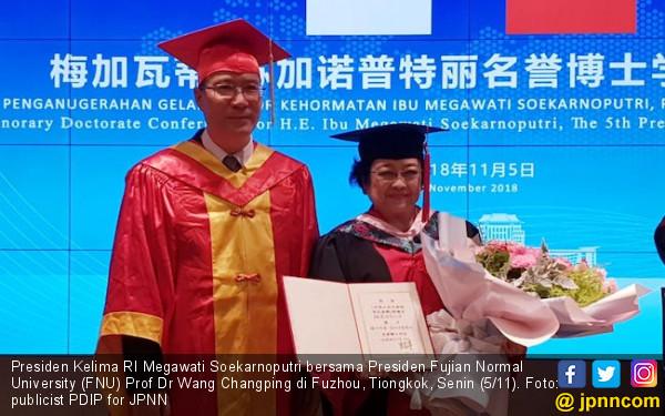 Terima DrHC Lagi, Mega Suarakan Pesan Soekarno & Zhou Enlai - JPNN.COM