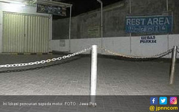 Ditinggal Lima Menit, Motor Pegawai Minimarket Amblas - JPNN.COM