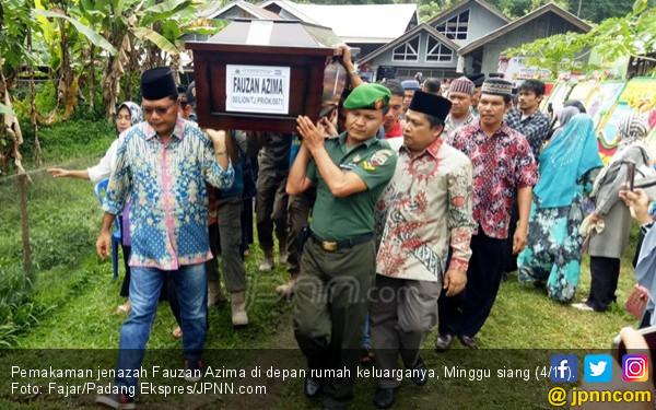 Gadis Calon Istri Fauzan Azima Datang di Pemakaman - JPNN.COM