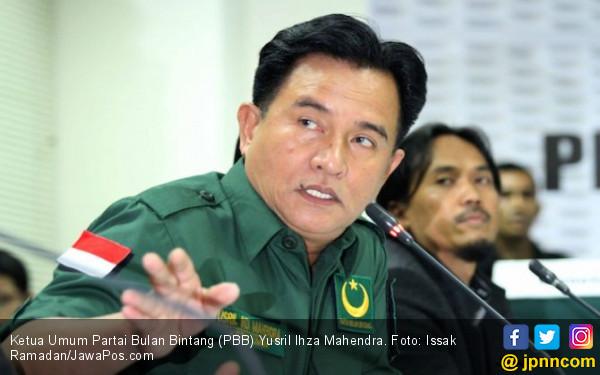 Yusril Bela Jokowi - Ma'ruf, PBB Untung atau Buntung? - JPNN.COM