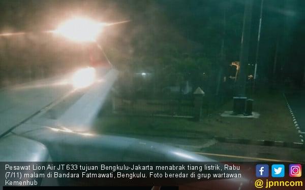 Pesawat JT633 Tabrak Tiang Lampu, Begini Penjelasan Lion Air - JPNN.COM