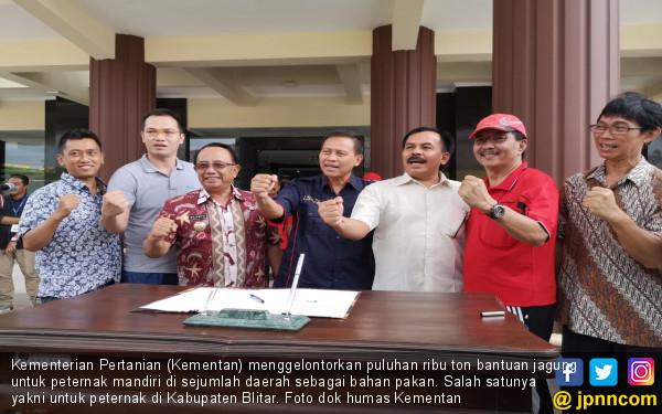 Kementan Gelontorkan Jagung Pakan Untuk Peternak Blitar - JPNN.COM