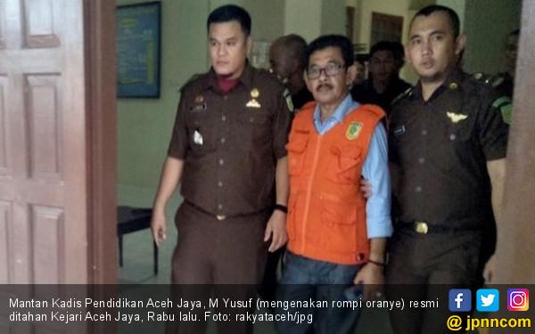 Korupsi Pengadaan Mobiler, Eks Kadisdik Aceh Jaya Ditahan - JPNN.COM