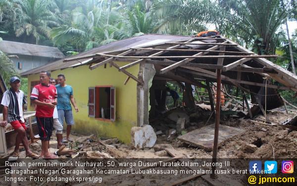 Tiga Kecamatan di Agam Sumbar Dilanda Banjir dan Longsor - JPNN.COM