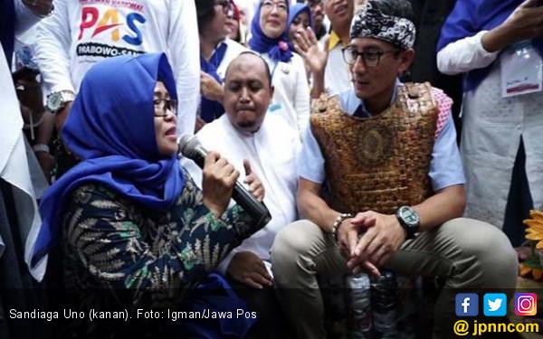 Tiba-Tiba Guru Honorer K2 Menangis di Depan Sandiaga - JPNN.COM