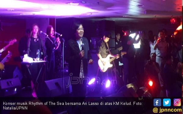 Suara Merdu Ari Lasso Buat Fans Lupa Daratan - JPNN.COM