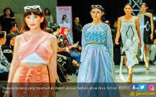 Empat Tema dalam Annual Fashion Show - Lifestyle JPNN.com c8cd1cc188