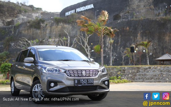 Keren! Suzuki All New Ertiga Diganjar Predikat Car of The Year 2019 - JPNN.COM