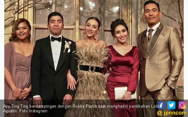 Cinta Robby Purba Kepada Ayu Ting Ting Terhalang Tembok Besar - JPNN.com
