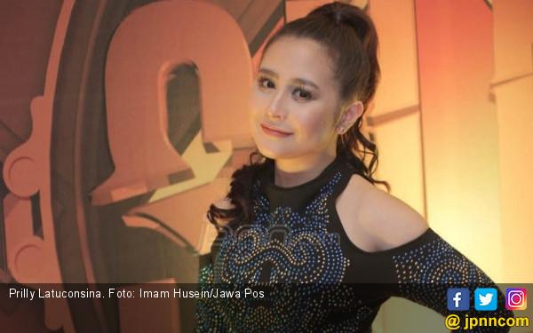 Kembali Lagi, Prilly Latuconsina Lepas Album Kedua - JPNN.COM