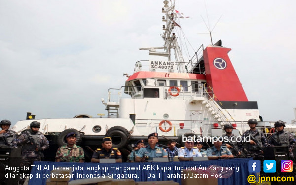 Lakukan Ship to Ship, Kapal Berbedara Singapura Ditangkap - JPNN.com