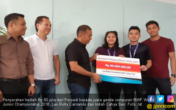 Pengusaha Beras Beri Hadiah kepada Juara Bulu Tangkis - JPNN.COM